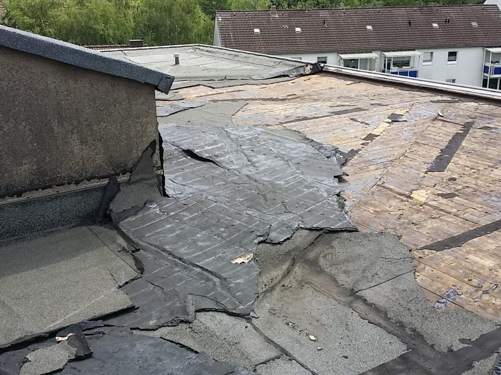 Wieder- und Neuaufbau eines Flachdachs nach Sturmschäden