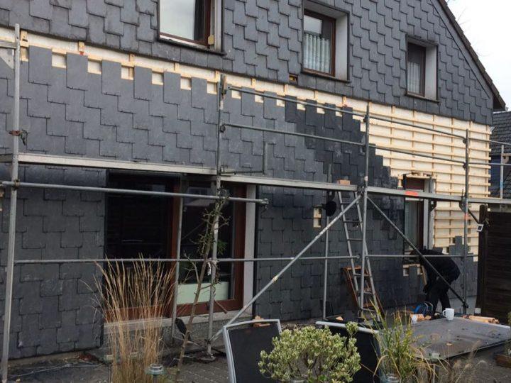 Hinterlüftete Fassade: Gezogen Doppeldeckung mit Schiefersteinen