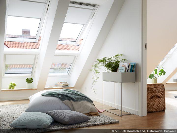 Großzügige Licht-Lösung durch Einbau von VELUX-Dachfenstern